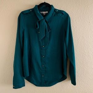 Tops - Long Sleeve Green Button Up Blouse